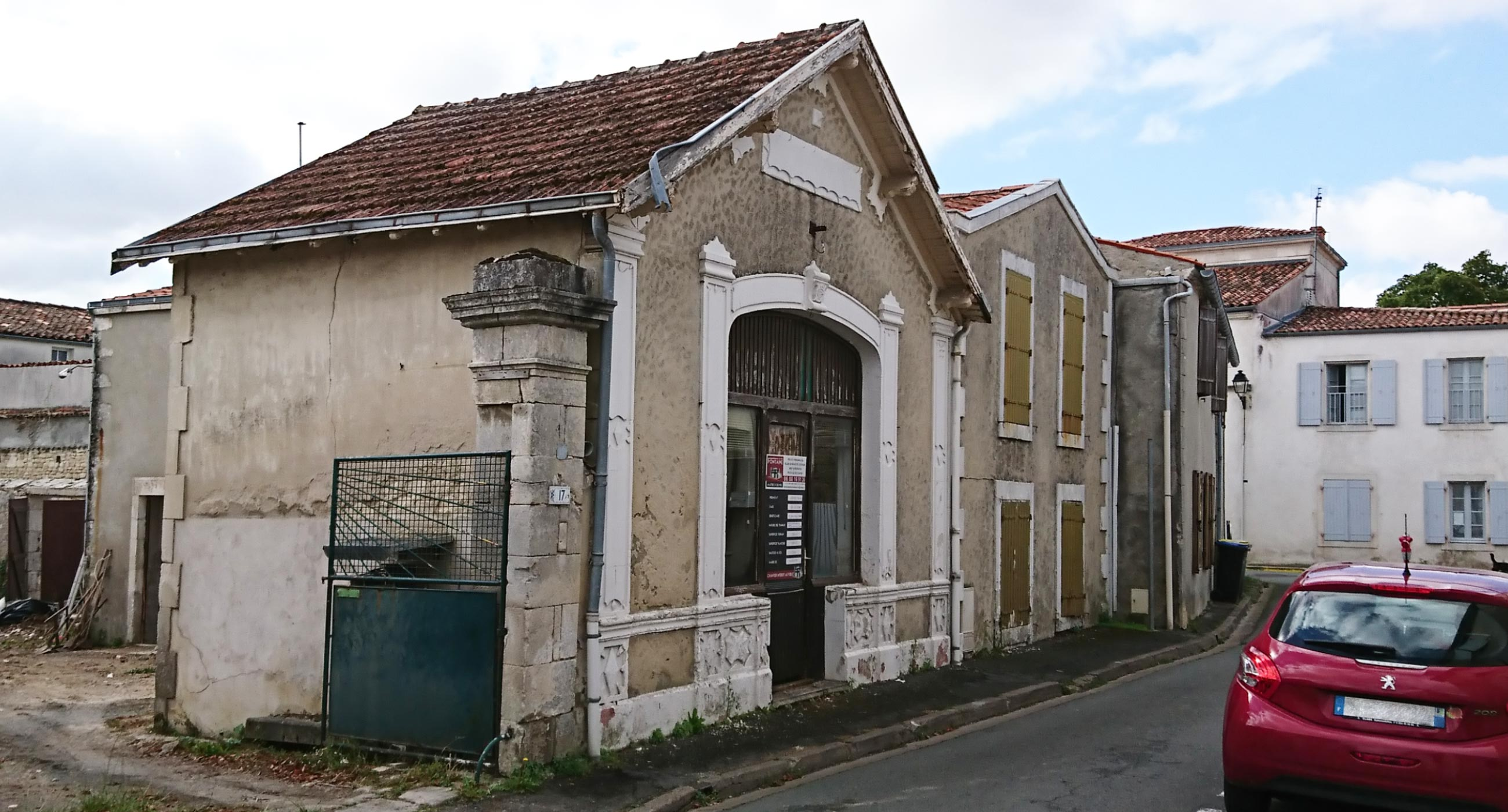 SCI-Petit-Bonheur-côté-rue-avant-rénovation